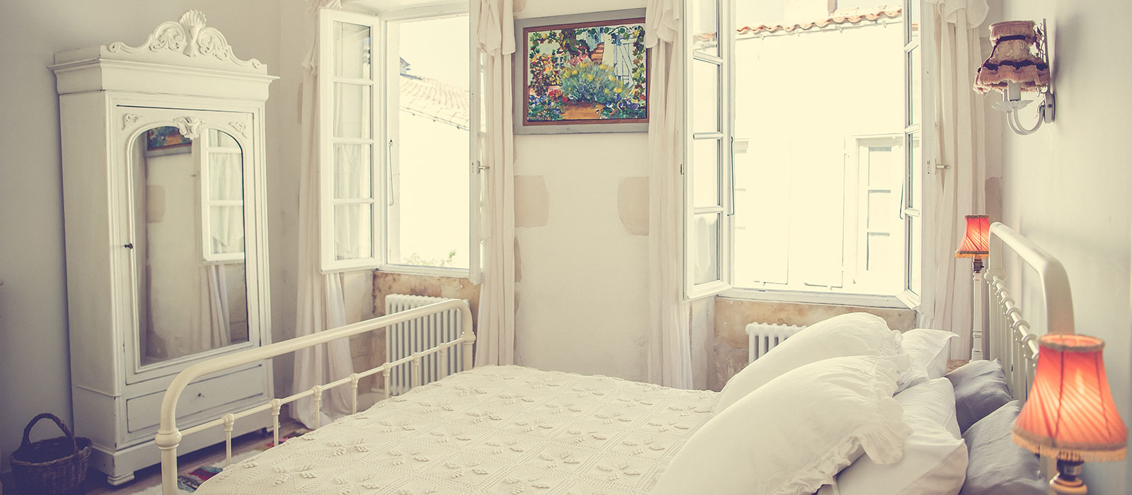 GALATHEE_ILEDERE_HOLIDAY_HOME_BEDROOM