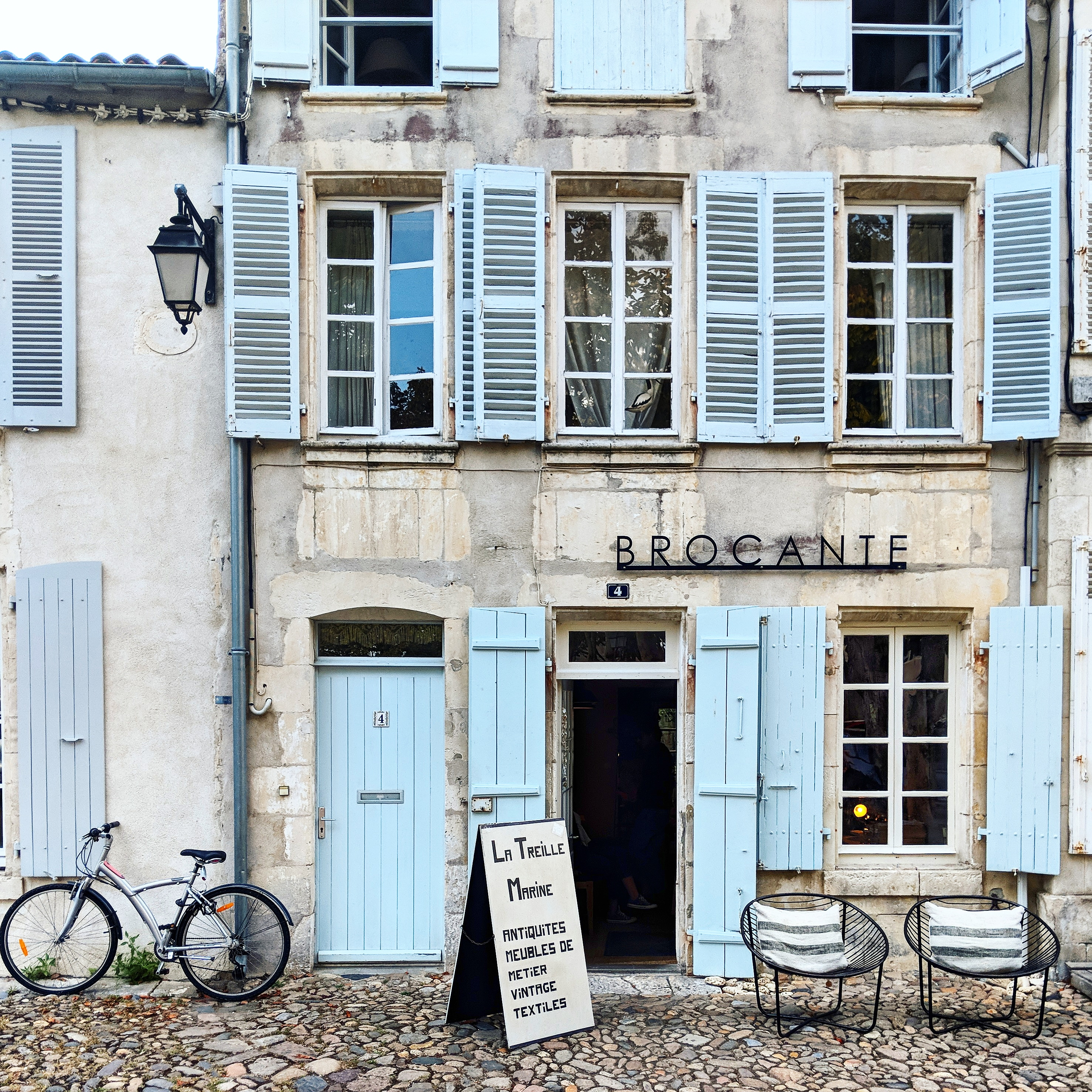 Antique shopping in Saint Martin de Re